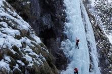 ذوبان الأنهر الجليدية في أوروبا يكشف عن كنوز مطمورة منذ ...