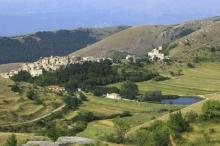 قرية إيطالية خلابة ستدفع لك 44 ألف يورو مقابل الانتقال ...