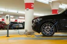 له سلبيات وإيجابيات | ما الذي يجعل السيارات الكهربائية أثقل ...