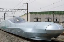 بالفيديو.. قطار ياباني فائق السرعة يقطع 500 كيلومتر في وقت ...