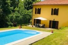 منزل في إيطاليا مقابل 32 دولارا فقط