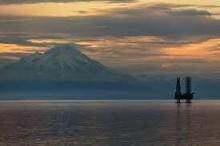 لماذا يوجد معظم النفط في الصحاري والقطب الشمالي؟