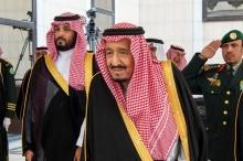 كورونا يصل حكام السعودية.. إصابة العشرات منهم والملك سلمان يعزل ...