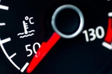 مع دخول الصيف.. هكذا تحافظ على صحة محرك سيارتك