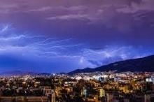 العلماء يرصدون ظاهرة من البرق الفائق تزيد شدته ألف مرة ...