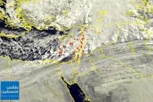 البحر المتوسط يمتلئ بالسحب الركامية والرعدية التي تستعد لدخول البلاد