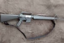 هل تعرف تاريخ بندقية الـM-16 والسبب الذي جعلها مشهورة؟؟