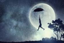 تحلم بأنك مطارد أو أنك تطير أو تتساقط أسنانك؟ إليك ...