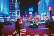 لماذا يستخدم اليابانيون اللون الأزرق بدلا من الأخضر في إشارات ...