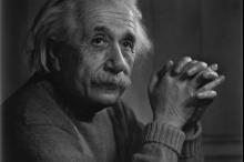 هل دماغه مُختلف فعلاً؟ قصة سرقة دماغ أينشتاين بعد وفاته ...