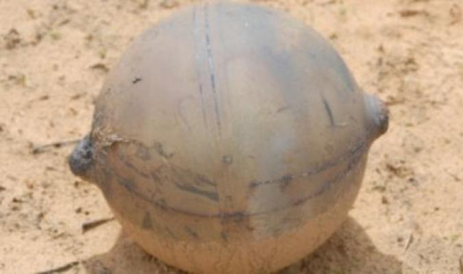 كرة حديد مجهولة المصدر تسقط من السماء في ناميبيا