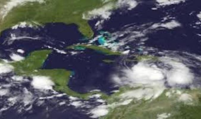 العاصفة ايزاك تتسبب في سقوط امطار غزيرة على هايتي