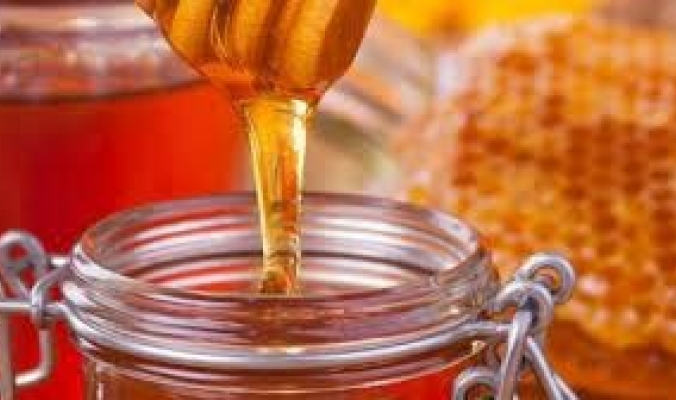 """""""فيه شفاء للناس"""".. العلماء يكتشفون الجسيمات النانوية المقاومة للالتهابات في العسل"""