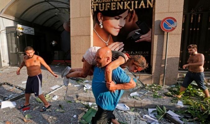 لقطات مؤثرة ربما لم تشاهدها في انفجار بيروت (شاهد)