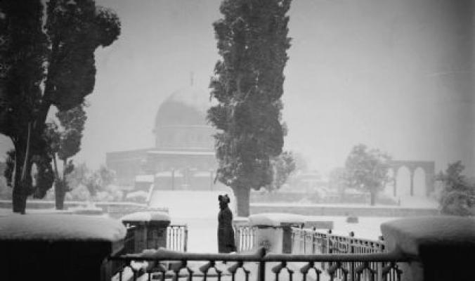 تساقط الثلوج في مدينة القدس عام 1920