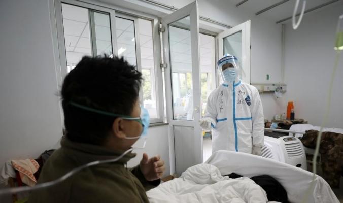 وفيات كورونا تتجاوز 1600 في الصين والسلطات تفرض إجراءات وقائية جديدة