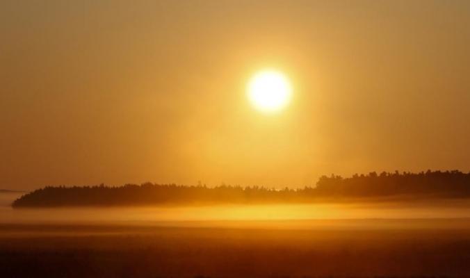 لماذا يكون الفضاء باردا جدا إذا كانت الشمس حارة جدا