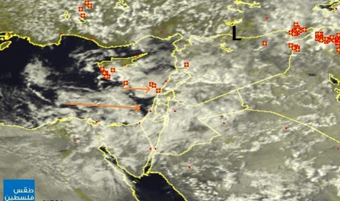 """الأقمار الصناعية ترصد غيوماً """"قوية"""" في البحر المتوسط في طريقها لفلسطين   13 آذار 2014"""