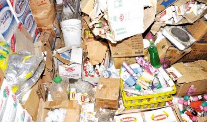 الكشف عن شركة تزوير مواد غذائية فاسدة في نابلس