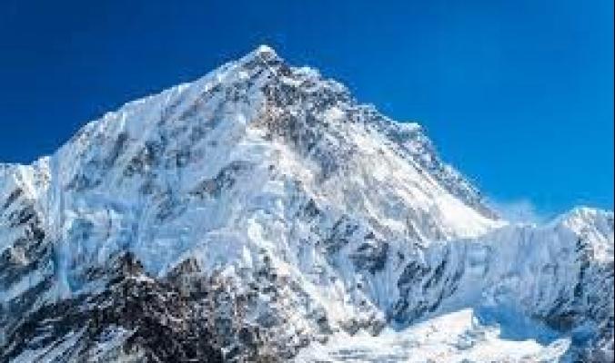 كيف أصبح إيفرست أعلى جبل في العالم؟ وهل سيظل كذلك؟