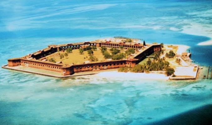 أشهر الجزر المهجورة حول العالم