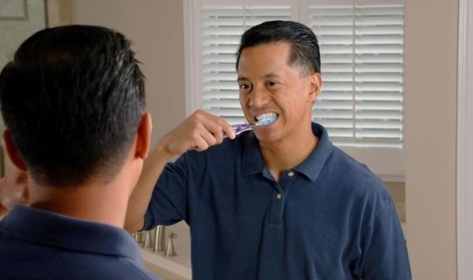 لماذا يجب أن تنظف أسنانك قبل الإفطار وليس بعده؟