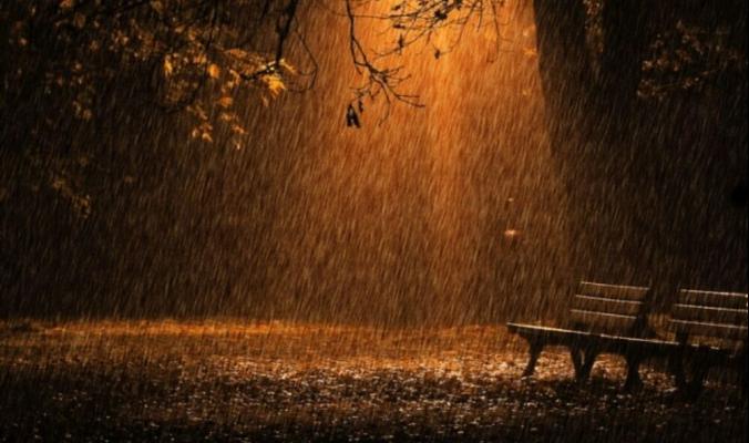 مع بدء الخريف..انخفاض ورياح وزخات مطرية مع أول منخفض هذا الموسم