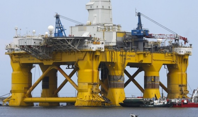 النفط يسجل أكبر زيادة أسبوعية بـ 2017 مع عقوبات إيران