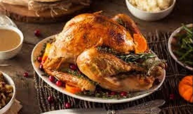 """بينما يحييه الأمريكيون بأكل الديك الرومي، يعتبره آخرون يوم حداد.. الجانب المظلم لـ """"عيد الشكر"""""""