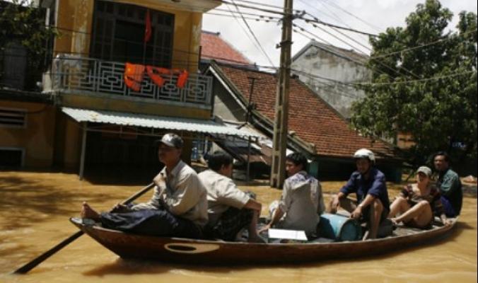 إعصار يخلف 4 قتلى وفيضانات في فيتنام