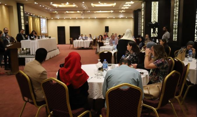 خلال مؤتمر أول من نوعه... مركز معا يضع البيئة على الطاولة، والمتحدثون يؤكدون: هي ليست ترفاً بل ضرورة ملحّة، وعلى الصحفيين أن يلتفتوا لها