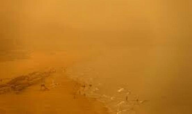 عاصفة رملية مخيفة تبتلع مدينة في الصين... فيديو