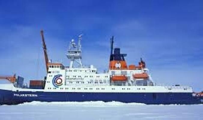 أكبر سفينة علمية تعود من القطب الشمالي بـ150 تيرابايت من البيانات المذهلة