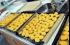 """9 معلومات عليك معرفتها قبل تقديم قطع دجاج """"الناغتس"""" لأطفالك"""