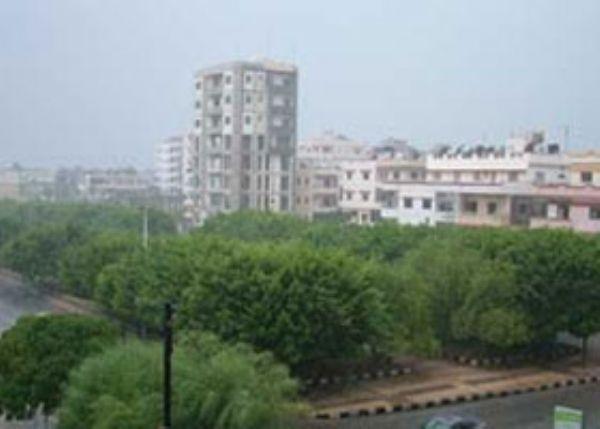 أمطار غزيرة على امتداد السواحل الشمالية... منخفض جوي يؤثر على شمال غرب بلاد الشام