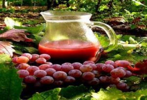 تناول العنب وودّع أمراض القلب