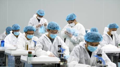 لماذا سبقت الصين العالم كله في صنع الكمامات؟
