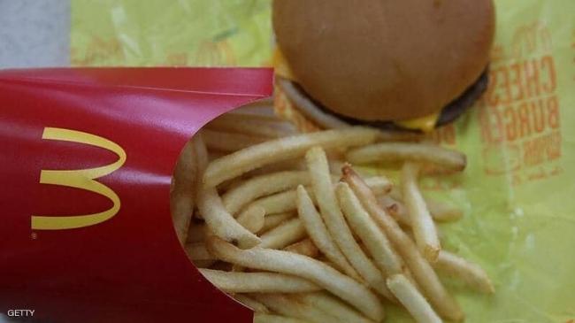 ماذا يحدث لوجبة ماكدونالدز بعد 24 عاما؟ فيديو يكشف المفاجأة