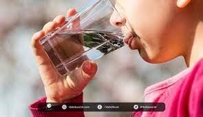 أسئلة سخيفة بإجابات علمية: لماذا لا يروي عطشنا إلا الماء؟