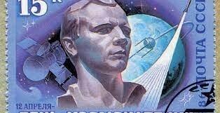 مُنع من دخول الولايات المتحدة ومات بظروف غامضة.. عن أول إنسان يصل إلى الفضاء