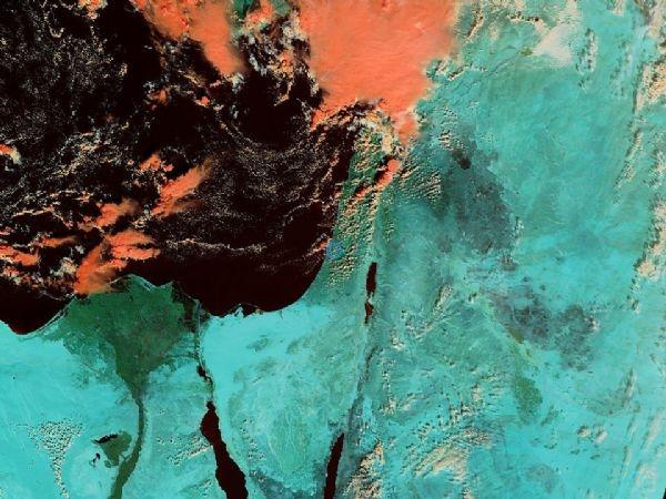كميات كبيرة من الغيوم تغطي سواحل بلاد الشام وشرق المتوسط