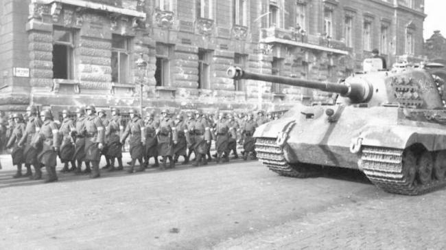 دولة دخلت الحرب العالمية لسبب غريب.. وفقدت مليون إنسان
