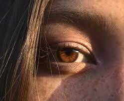 لهذه الأسباب تختلف ألوان العيون في البشر