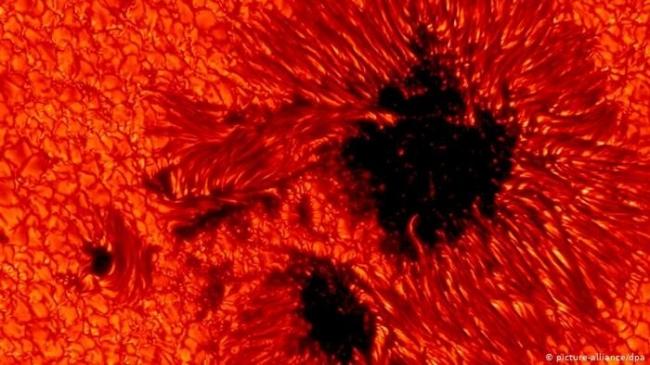 بعد سبات دام سنوات ـ رصد بقع داكنة على سطح الشمس