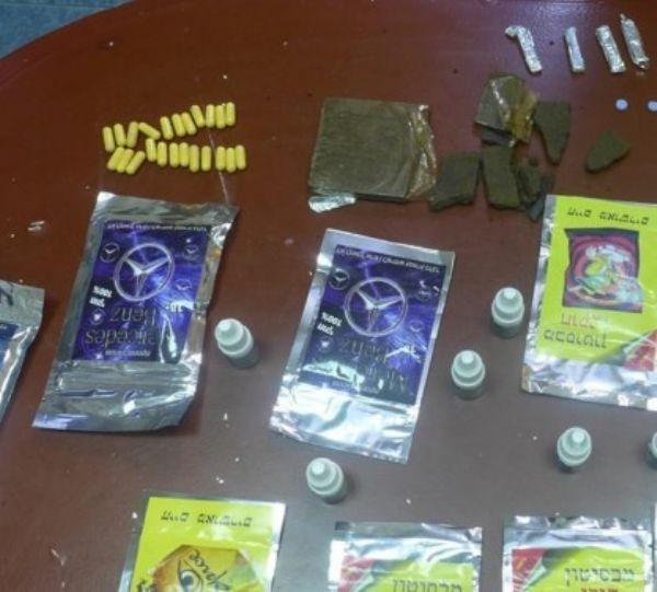 شرطة نابلس تضبط مواد يشتبه بانها مخدرة بقيمة 10 الاف شيكل