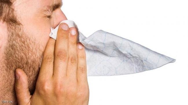 """رغم تشابه الأعراض.. """"اختلاف جذري"""" بين كورونا والإنفلونزا"""