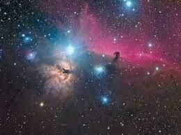 شاهد أقرب عنقود نجمي إلينا يتمزق.. فمن الفاعل؟