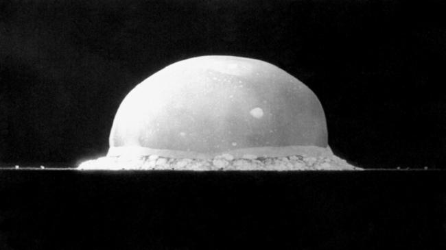 اكتشاف مذهل في حطام أول اختبار للقنبلة الذرية عام 1945!