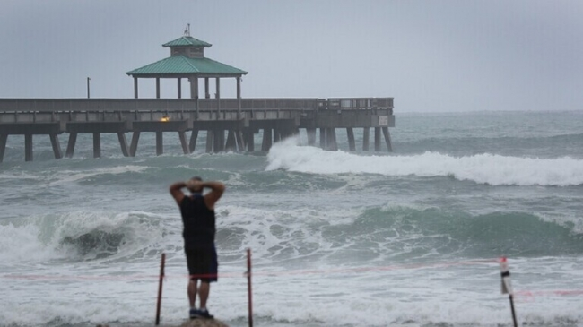5 عواصف استوائية تضرب المحيط الأطلسي لأول مرة منذ 50 عاما