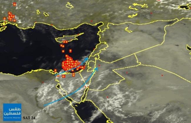 الأقمار الصناعية ترصد الغيوم الرعدية في البحر المتوسط وسيناء هذه الأثناء   8/10/2014